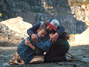 eleven dustin and mike group hug stranger things